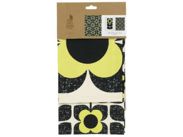 Orla Kiely Scribble Square Flower Teatowels. Set of two tea towels featuring the Scribble Square Flower in Primrose.