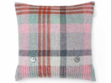 Bronte By Moon Melbourne Shetland Quality Wool Flamingo And Aqua Cushion