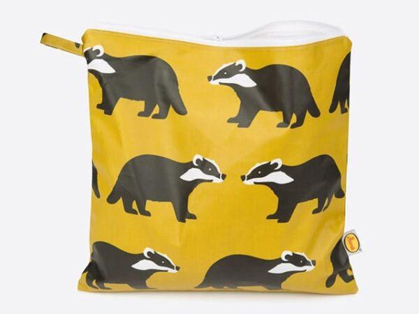 Anorak Kissing Badgers Large Toiletry Bag