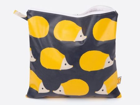 Anorak Kissing Hedgehogs Large Toiletry Bag