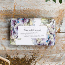 Toasted Crumpet Sweet Hydrangea & Green Tea 190g Soap Bar
